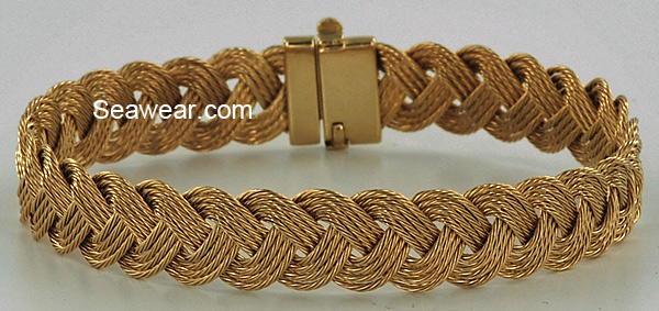 Turks Head bracelet four strand