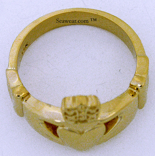 thickness view of Claddagh ring