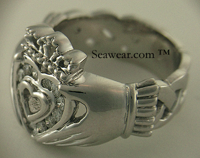 fifteen round diamonds in the Claddagh heart