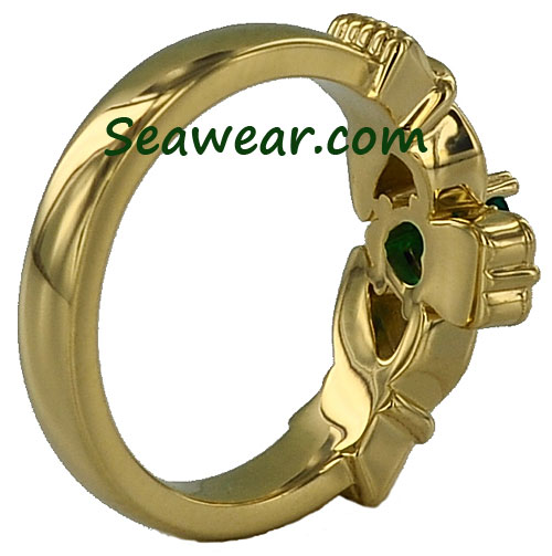 Claddagh heart shaped prongs ring