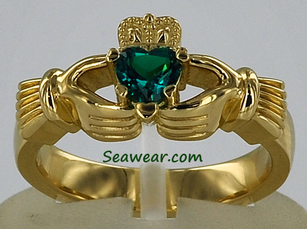 Claddagh hearts ring