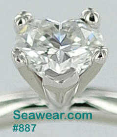 SI clarity and D color heart diamond