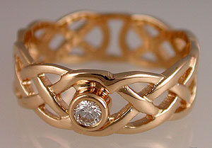 Celtic love knot engagemwent ring diamond