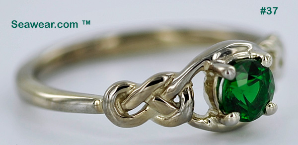 love knot solitaire with tsavorite gemstone