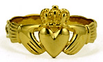 woman's celtic claddagh ring