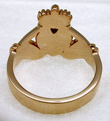underside of gold Claddagh ring