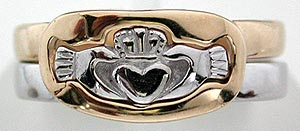 Claddagh puzzle ring