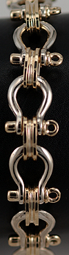 14kt gold shackle link bracelet